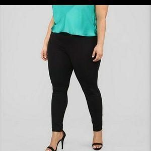 Fashion Nova Smarty Pants Size 2x (fits like a 3x)